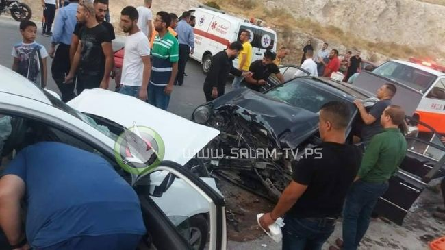 مصرع مواطن وطفله بحادث سير مروع شمال شرق نابلس