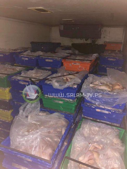 الضابطة الجمركية تضبط 4 طن لحوم دجاج ممنوعة من التداول في محافظة طولكرم