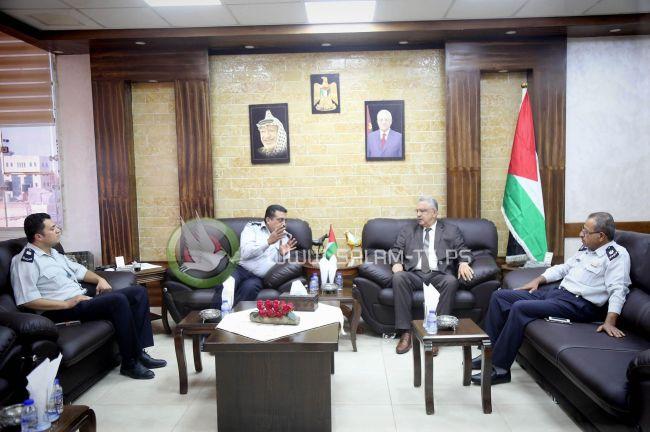 المحافظ عصام أبو بكر يستقبل مدير الدفاع المدني بطولكرم
