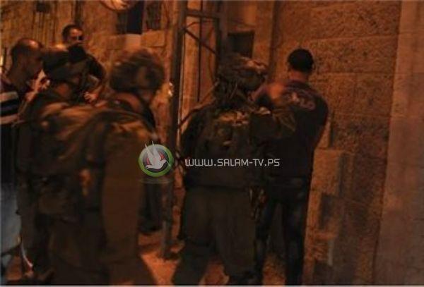 جيش الاحتلال يدمر شبكات المياه والكهرباء ومحتويات منازل في جنين ومخيمها بعد اعتقال السعدي