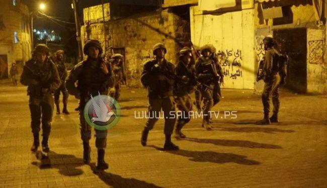 قوات الاحتلال تداهم قفين بطولكرم وتصيب وتعتقل 4 مواطنين