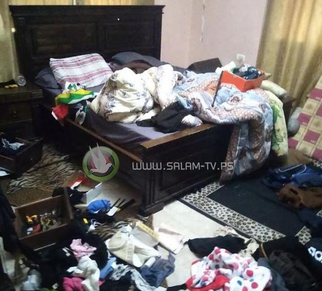 قوات الاحتلال تعتقل 3 شبان من طولكرم