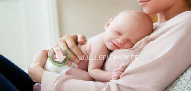 الأطعمة الصلبة تساعد الرضع على نوم أفضل