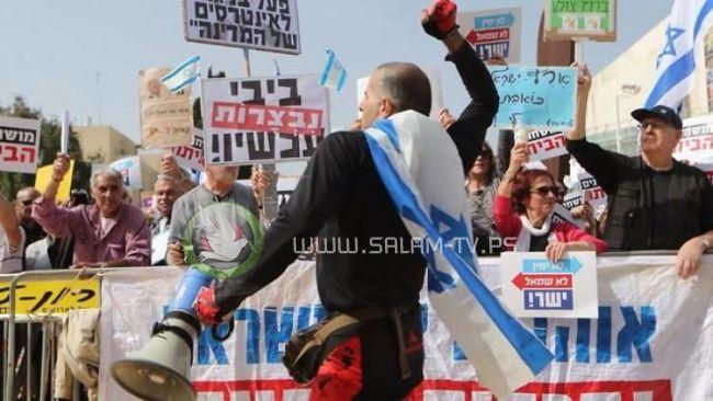 تل أبيب.. آلاف يطالبون نتنياهو بالرحيل