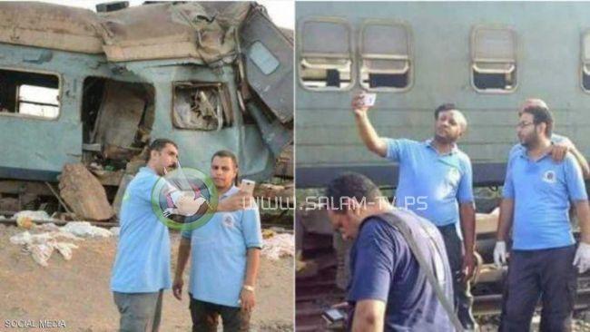"""مصر تعاقب مسعفين التقطوا صور """"سلفي"""" قرب حادث القطارين"""