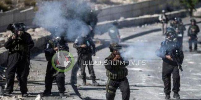 إصابة 20 مواطنا بمواجهات مع الاحتلال شرق نابلس