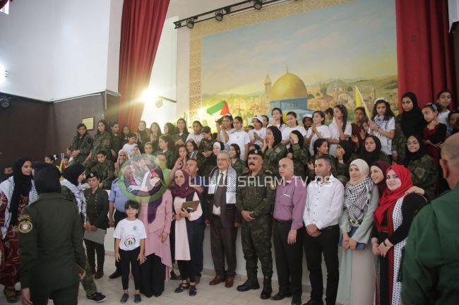 طولكرم : لجان الشبيبة الثانوية وتحت رعاية المحافظ أبو بكر تنظم حفل تخريج واختتام لفعاليات المخيم الصيفي أخوات دلال