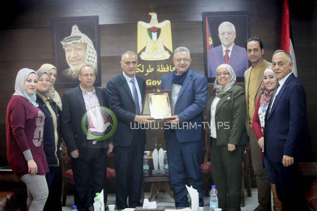 المجلس الأعلى للشباب والرياضة يكرم محافظ طولكرم عصام أبو بكر