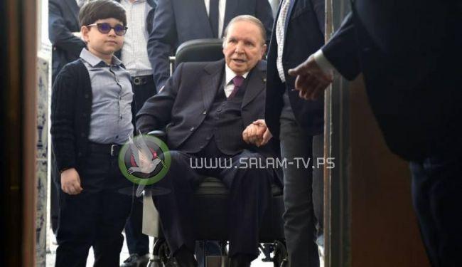 بوتفليقة يقدم استقالته رسميا من رئاسة الجزائر