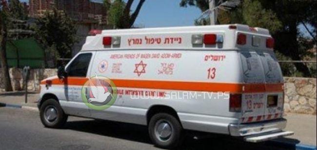 بعد انتحارها.. مُسعف إسرائيلي يسرق عجوزًا خلال نقلها بسيارة الاسعاف !!