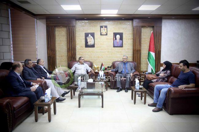 المحافظ أبو بكر يلتقي المدير الجديد لمكتب وكالة وفا بطولكرم