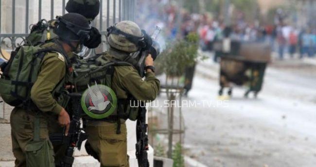 الاحتلال يغلق جميع الطرق المؤدية إلى جامعة القدس وأنباء عن إصابات بالرصاص الحي