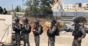 جرافات الاحتلال تغلق الطريق الواصلة لأحراش قفين شمال طولكرم بالسواتر الترابية