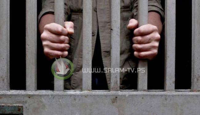 القبض على شاب ابتز 50 سيدة فلسطينية من الضفة الغربية !