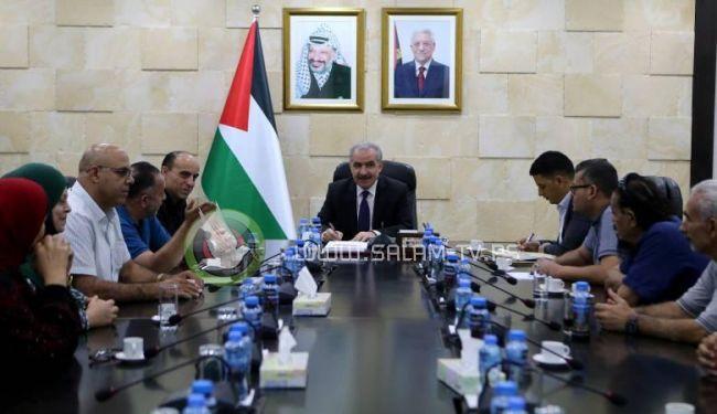 اشتية: المخيمات الفلسطينية عنوان النضال والتضحية