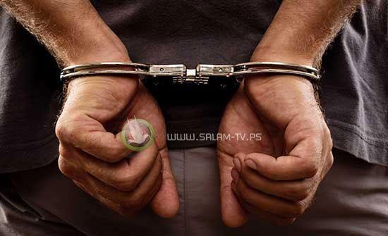 الشرطة تقبض على شخصين قاما بالتشهير بسيدة عبر الفيس بوك في الخليل