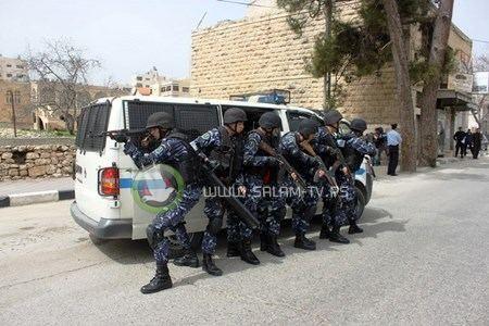 الشرطة تضبط 6 مركبات غير قانونيه وتلقي القبض على 12 مطلوب في طولكرم