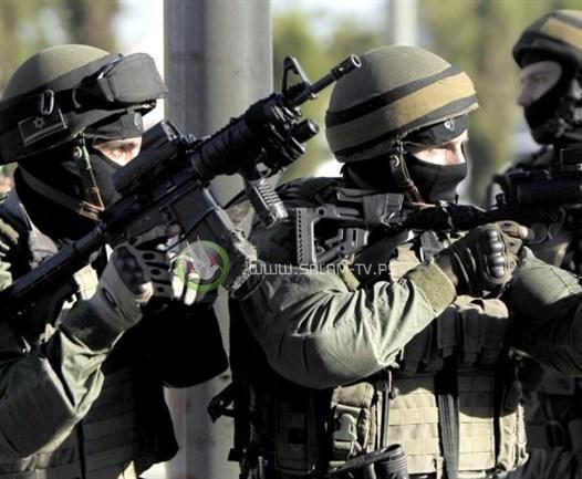 الاحتلال يعتقل 15 مواطنا من الضفة