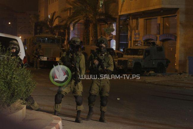 قوات الاحتلال تعتقل أربعة مواطنين من مخيم نور شمس وبلدة عنبتا شرق طولكرم