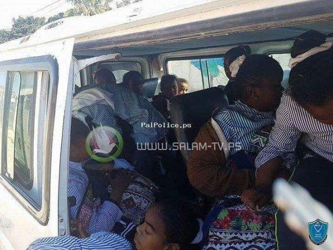 الشرطة تضبط مركبة حمولة 7 أطفال وبداخلا 23 طفله !