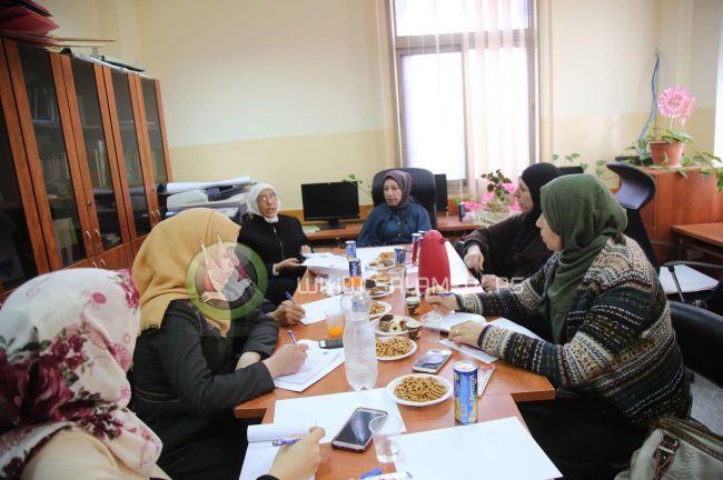 محافظة طولكرم وبالتنسيق مع الإغاثة الطبية تعقد اجتماعا مع المؤسسات التي تقدم الخدمة للنساء المعنفات