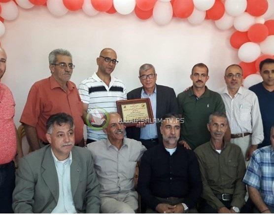 6 اسرى إداريين يخوضون اضرابا مفتوحا