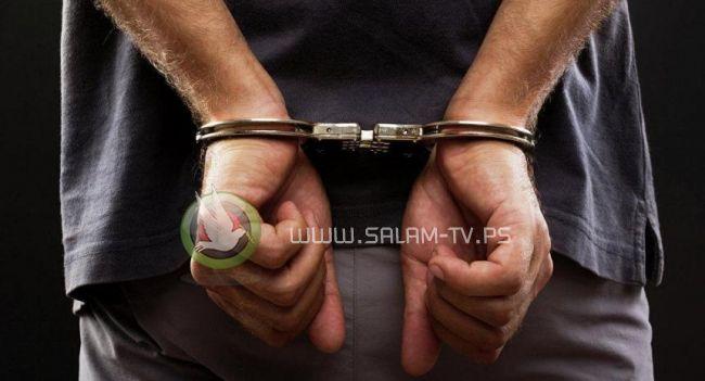 القبض على متهم بإدارة مكتب سياحي غير مرخص بنابلس