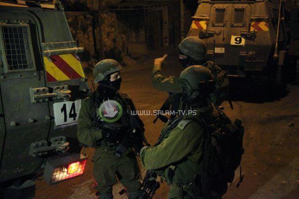 قوات الاحتلال تعتقل اسيرين محررين في طولكرم