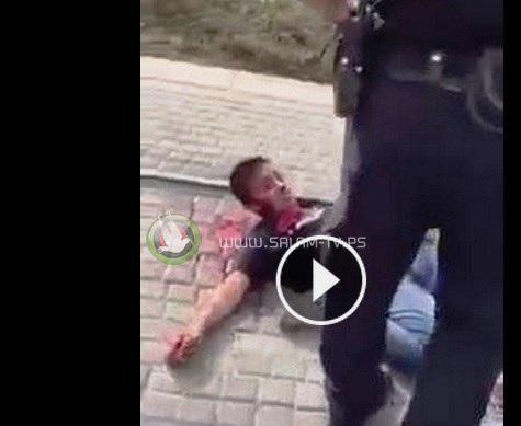 فيديو صادم.. طفل يستصرخ العلاج ويتلقى رصاص وشتائم المستوطنين - شاهد