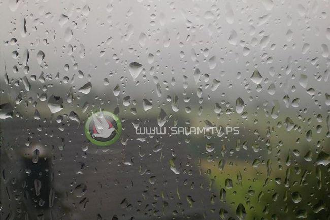 الطقس: انخفاض طفيف على الحرارة اليوم وأمطار متفرقة الأحد
