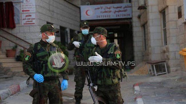 الشرطة والدوريات المشتركة تغلق 68 محل تجاريا لعدم التزامهم لأنظمة الطوارئ في طولكرم