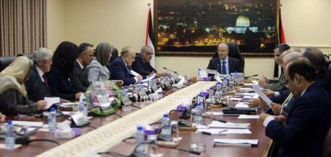 الحكومة: استيعاب 20 ألف من موظفي غزة