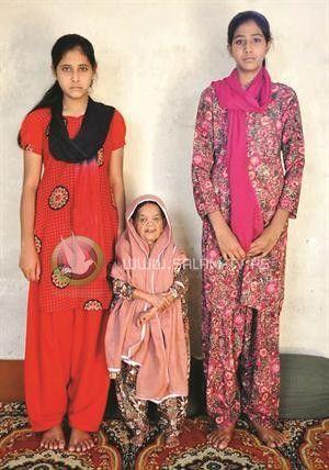 قزمة هندية.. الأكبر سناً بين مثيلاتها بالعالم