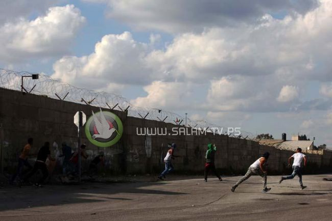 إصابة ثلاثة شبان برصاص الاحتلال في مواجهات غرب طولكرم