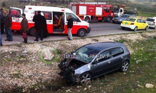 إصابة 3 مواطنين أحدهم بحالة خطيره بحادث سير جنوب نابلس