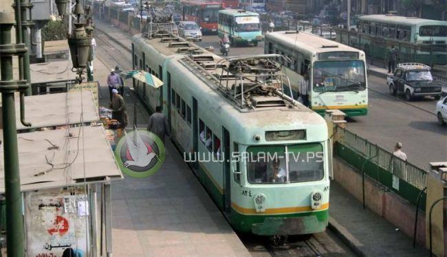 انتحار فتاة مصرية بإلقاء نفسها أمام قطار مترو في القاهرة