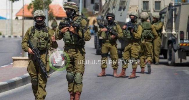 الاحتلال يعتقل ثلاثة شبان من مخيم نور شمس شرق طولكرم