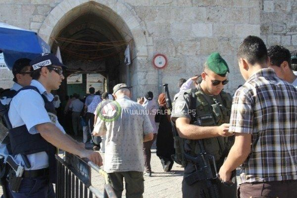 الاحتلال يفرض قيودا على دخول المسلمين الى الأقصى