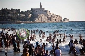 إسرائيل: اصدار التصاريح للفلسطينيين مرهون باستقرار الوضع الامني