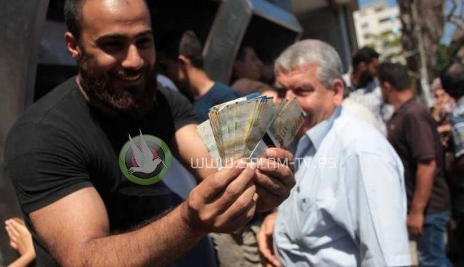 اشتيه : سنقترض من البنوك والدول العربية للتغلب على الازمة المالية