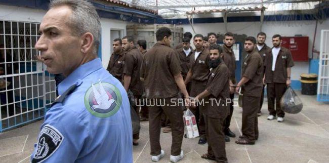 """ادارة سجون الاحتلال تشدد من إجراءاتها بحق المعتقلين في """"عيادة الرملة"""""""