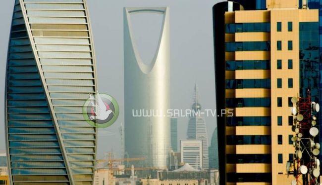 السعودية تبدأ بفرض قيود على عمل الوافدين في 12 قطاعا