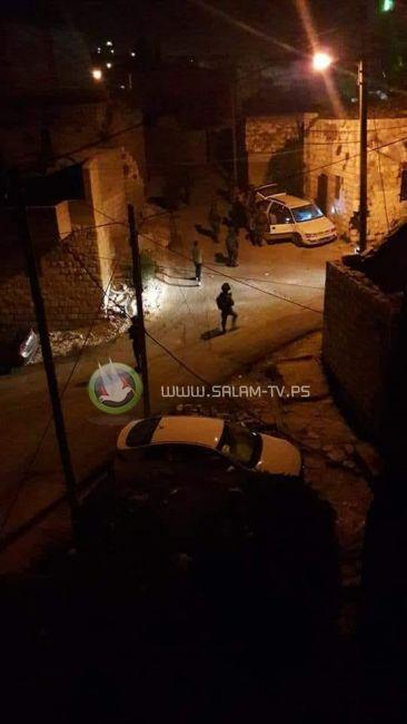 حملة اعتقالات في الضفة والاحتلال يزعم العثور على اسلحة