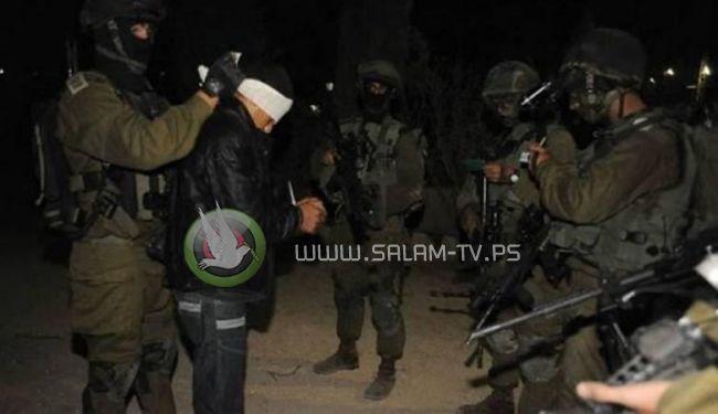 الاحتلال يعتقل 10 عمال فلسطينيين غرب جنين