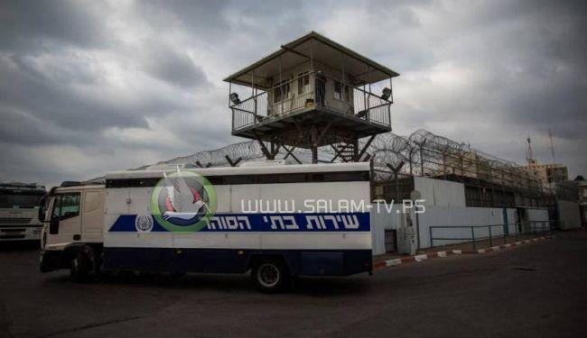 """التماس للعليا الاسرائيلية لتحسين نقل الأسرى في سيارة """"البوسطة """""""