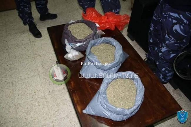 الشرطة والاستخبارات في بيت لحم تضبطان 15 كيس قنب بغرفة نزيل في احد الفنادق