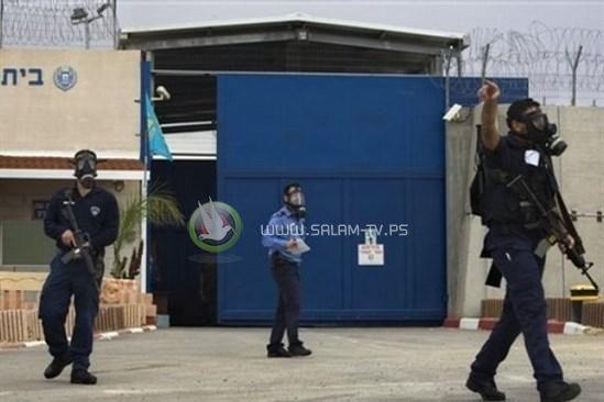 الاسرى يعلنون إنهاء الخطوات التصعيدية بعد الاتفاق مع إدارة السجون