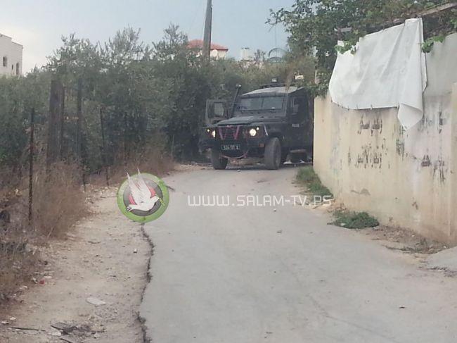 قوات الاحتلال تجدد اقتحامها لمنزل عائلة نعالوة وتخضع ذويه للاستجواب