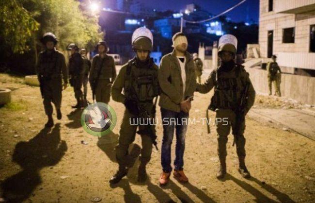 حملة اعتقالات تطال (12) فتى وشاباً في القدس