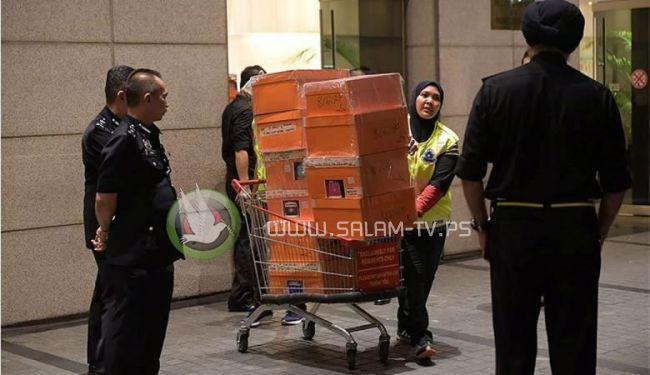 الشرطة الماليزية تعلن مصادرة 273 مليون دولار لرئيس الوزراء السابق